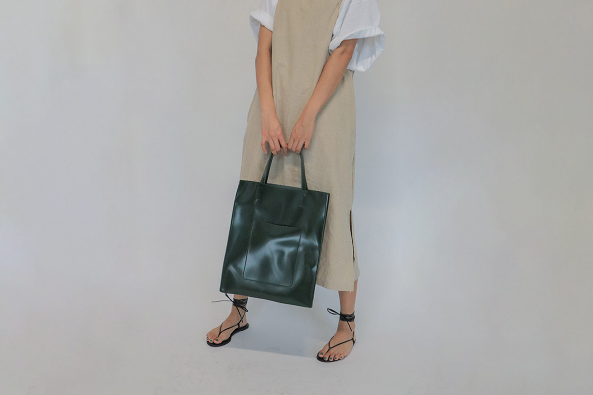 pinking intro square tote bag